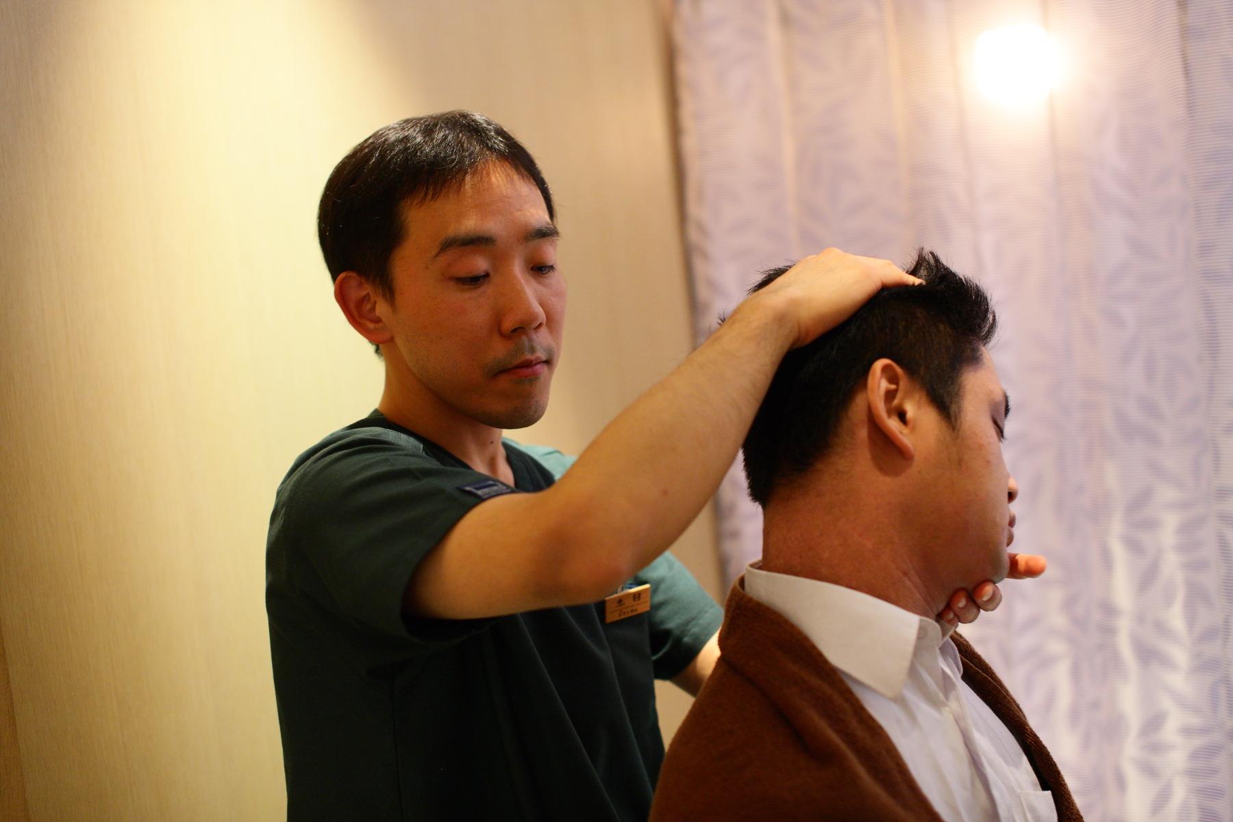 交通事故による怪我の治療は、サヤン鍼灸・接骨院で受けられます